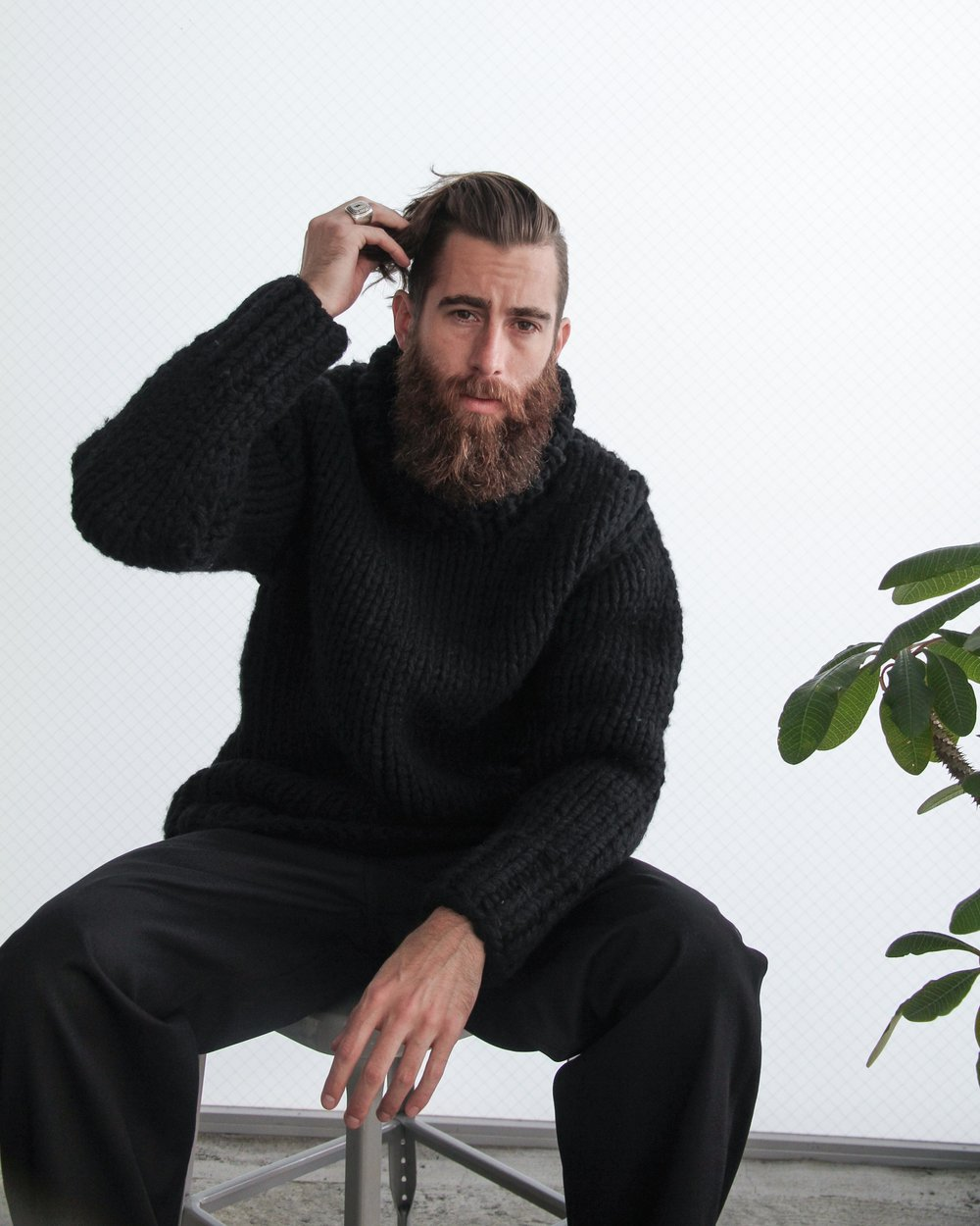 """""""ASHER"""" Chunky knitted sweater available in black or beige."""