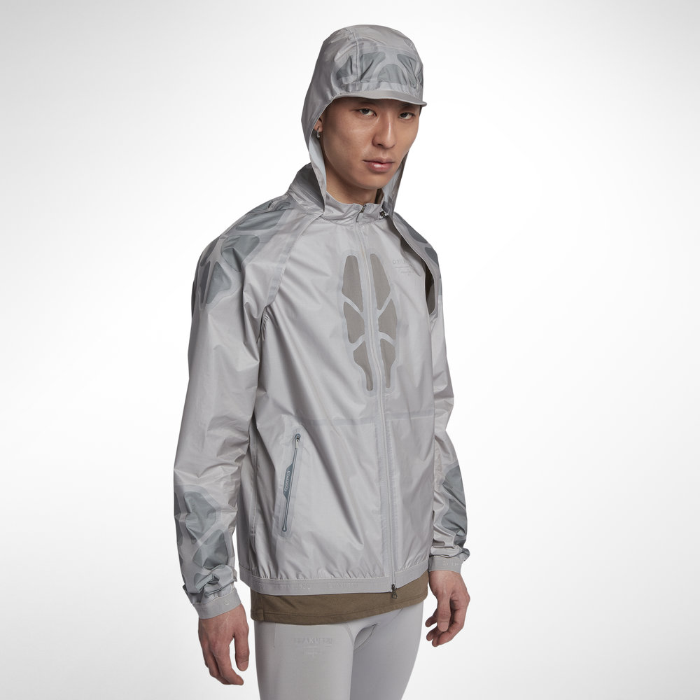 Gyakusou_Hooded_Jacket_1_original.jpeg