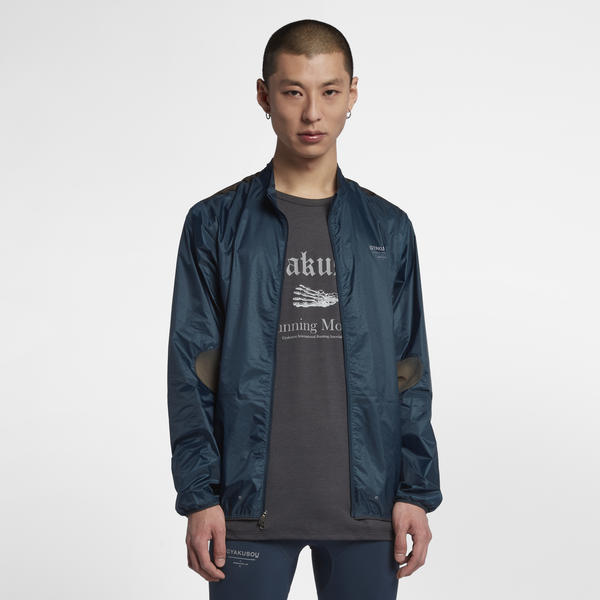 Gyakusou_jacket_and_t-shirt_native_600.jpeg