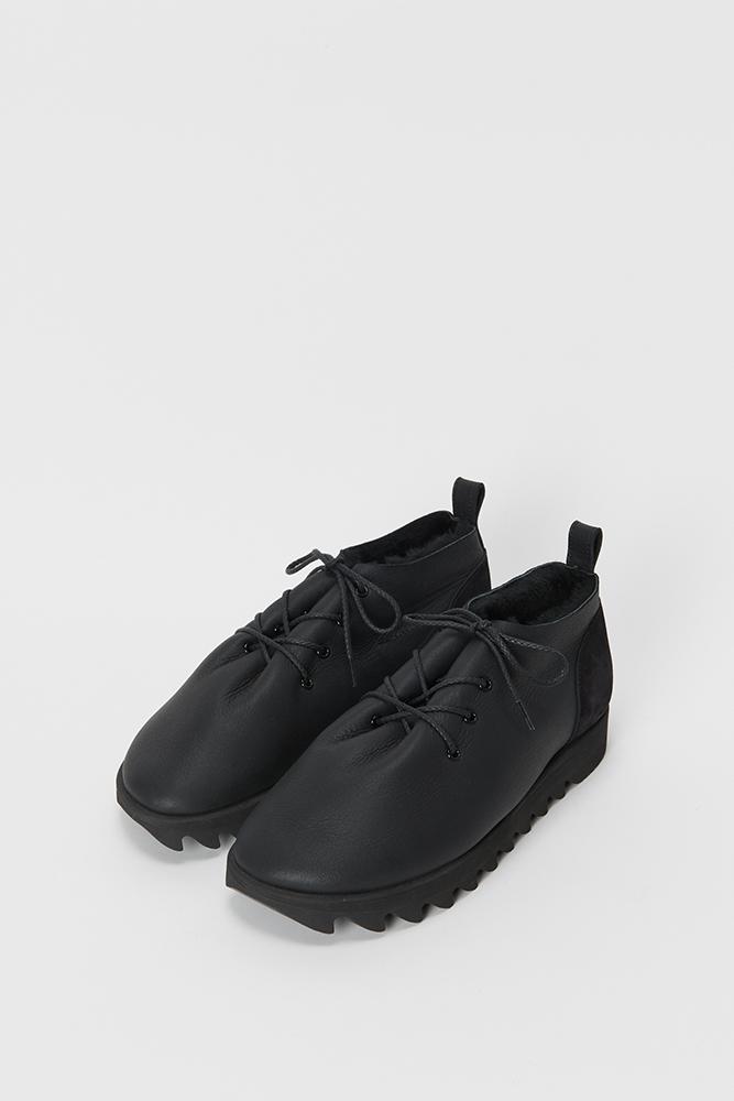 6_mouton-lace-black-front.jpg