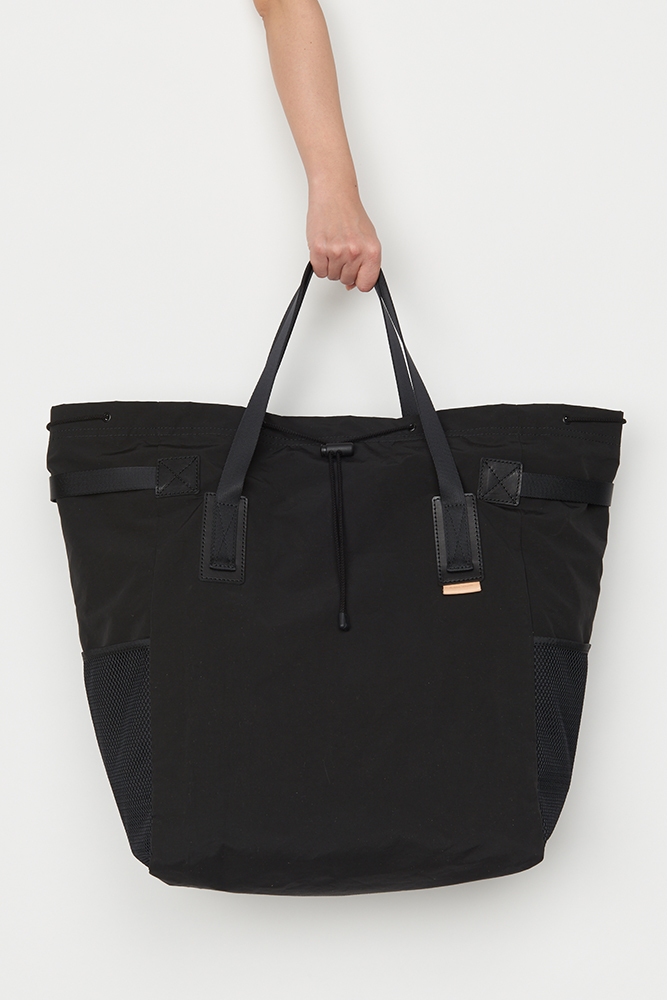 35_functional-tote-bag-black-front2.jpg