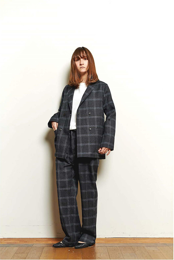 blurhms_18fw_women_look_01.jpg