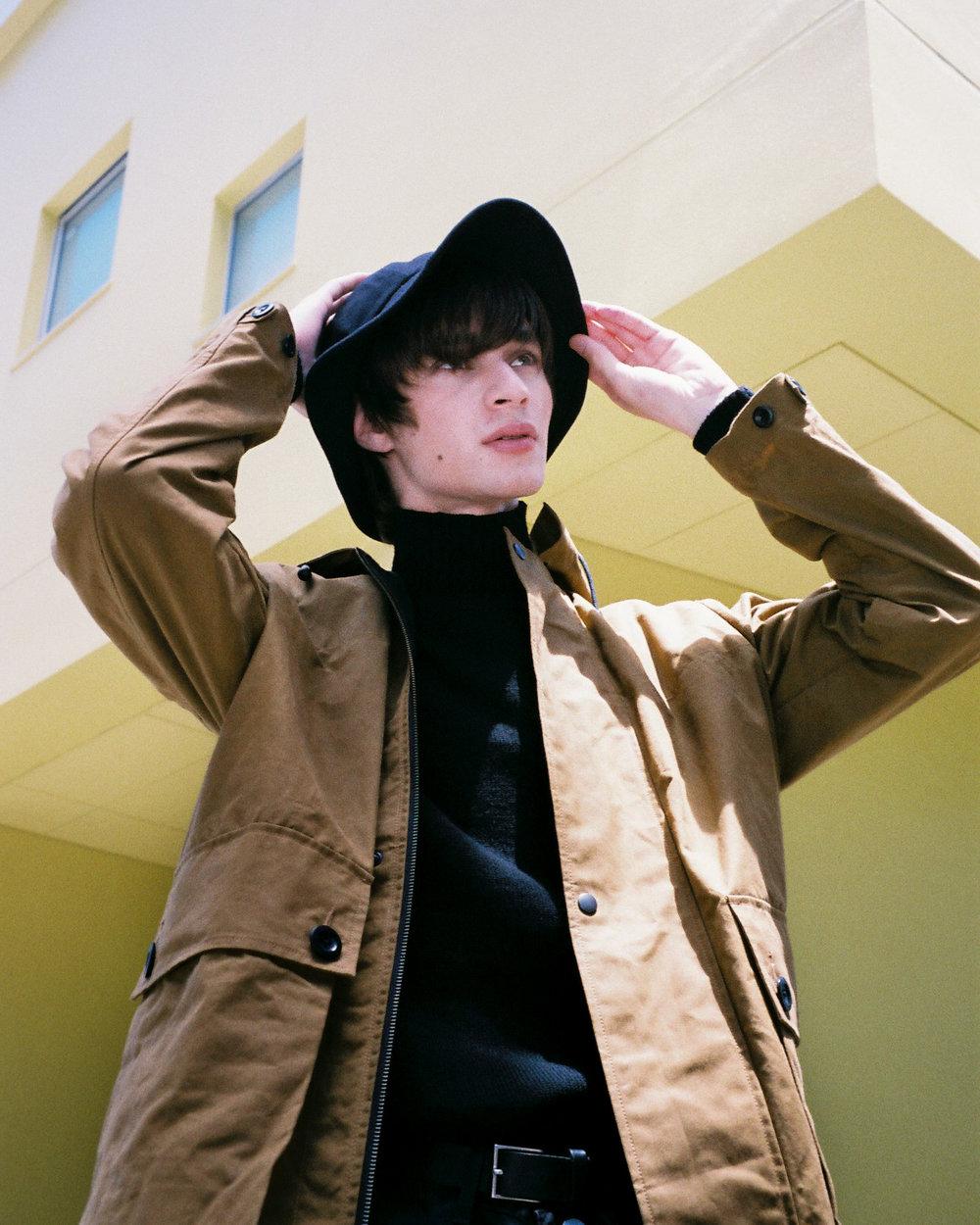 MHL Hat ¥ 9,500  MHL Blouson ¥ 46,000 MHL Knit ¥ 29,000 Margaret Hoewll belt ¥ 19,000 Margaret Howell x Edwin trousers ¥ 23,000