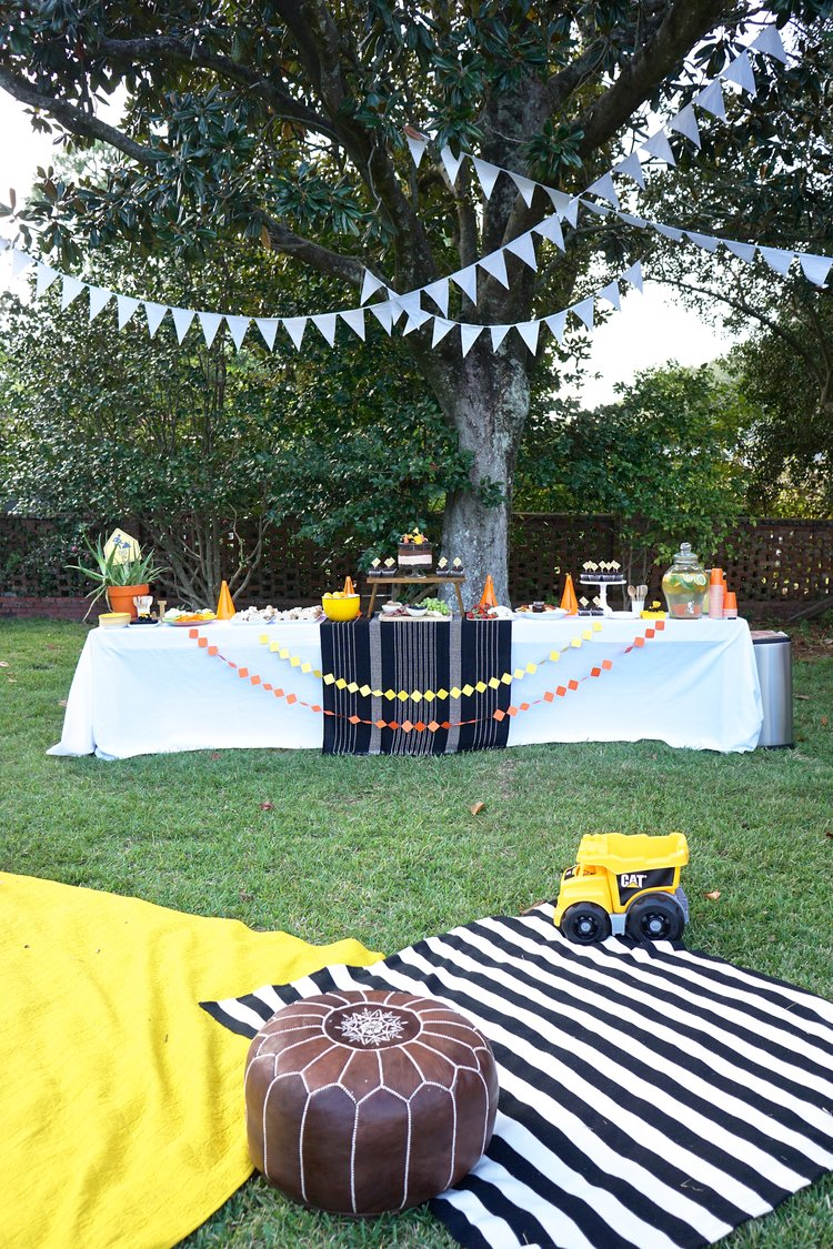 For A Little Boy Who Is Obsessed With All Things Trucks Construction Themed Birthday Party Was No Brainer We Didnt Send Out Physical Invite