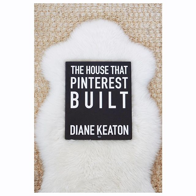 A little Sunday inspiration 🌱 . . . . . #resplendentliving #resplendentlivingstyling #thehousethatpinterestbuilt #dianekeaton #pinterest #interiorstylist #interiordecorator #stylist #stylinginspo #bookclub #sunday #sundayreading #lightreading #interiorinspo #interiorinspiration #mydomaine #apartmenttherapy