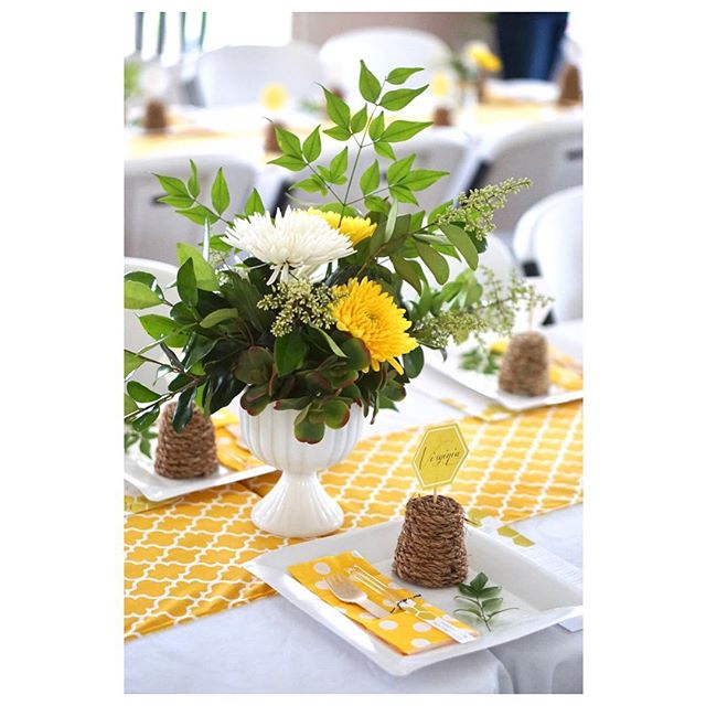 I recently had the honor of throwing a honey-bee themed baby shower for two expecting friends! 🐝 Swipe ➡️ to see all the fun!   Event styling, florals and 📷: @resplendentliving . . . . . #resplendentliving #resplendentlivingparties #resplendentlivingstyling #babyshower #honeybee #babybee #mamatobee #mamatobe #honeycomb #beehive #eventplanner #eventstylist #eventstyle #partyplanner #partystylist #partystyling #floralstylist #floralstyling #partydecorations #diyparty #diypartydecor #diypartyideas #diypartyplanner #babyshowerideas #babyshowerdecor #catchmyparty #karaspartyideas