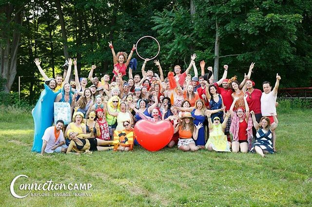 BRINGING IN THE VIBES ON THIS MAGICAL MONDAY! • Color Olympics was epic! Ya'll got some VIVACIOUS TEAM SPIRIT. • #ColorOlympics2018 #ConnectionCamp #magicalmonday #monday #vibes #colorfullife #camp