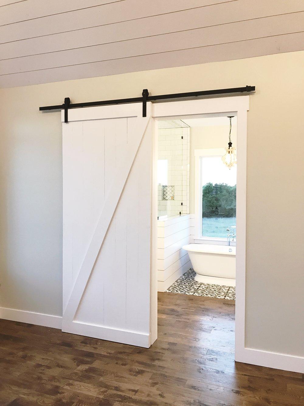 Z Barn Door (Vertical Plank Back)