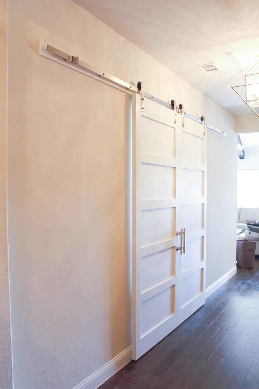 Modern 5 Panel Barn Door (Double Door Hardware Set)