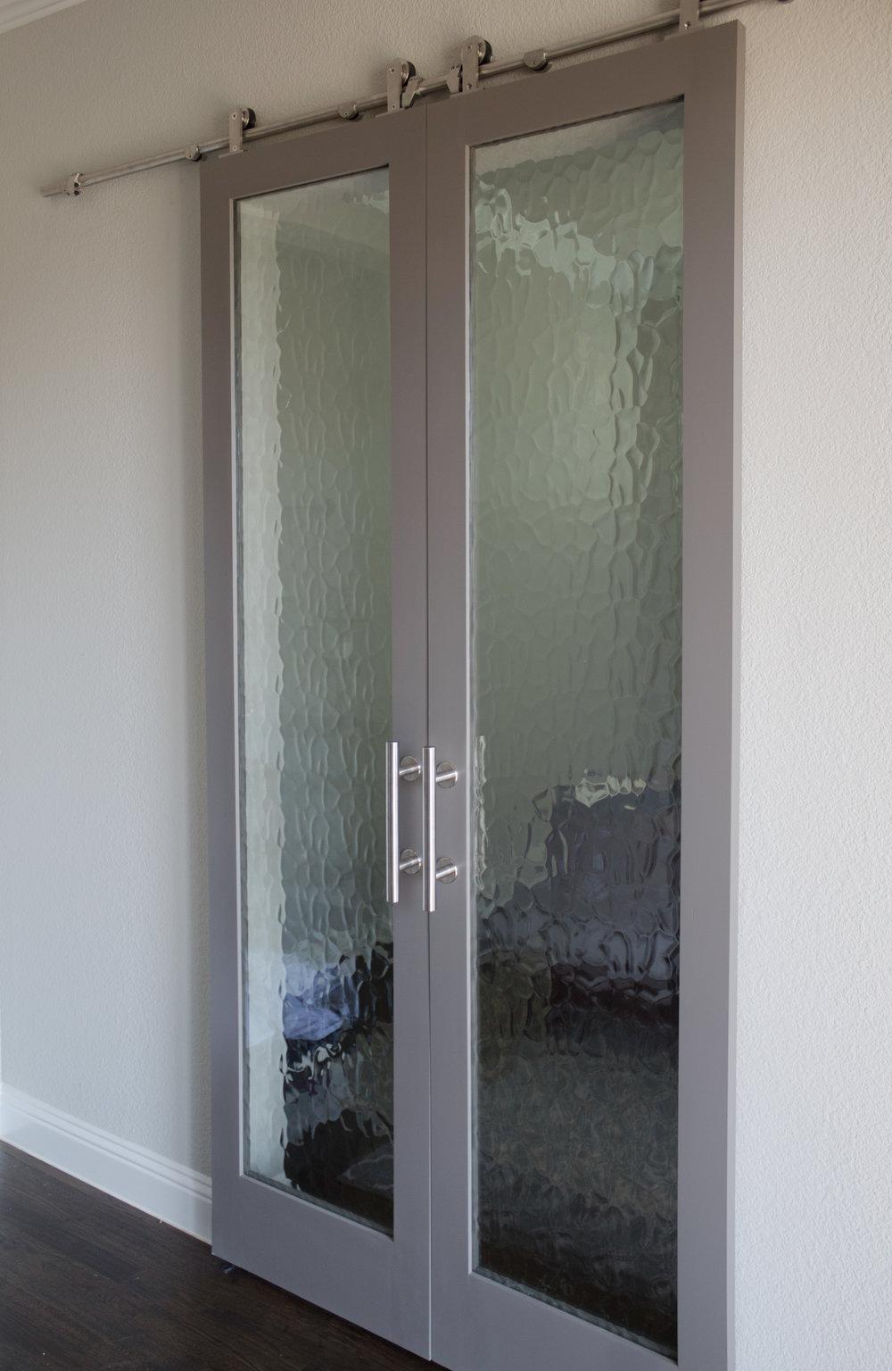 Flemish Glass With Gray Border (Double Barn Door Hardware)
