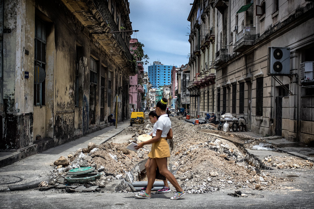 JUXTAPOSITION | HAVANA, CUBA | © PRESTON LEWIS THOMAS