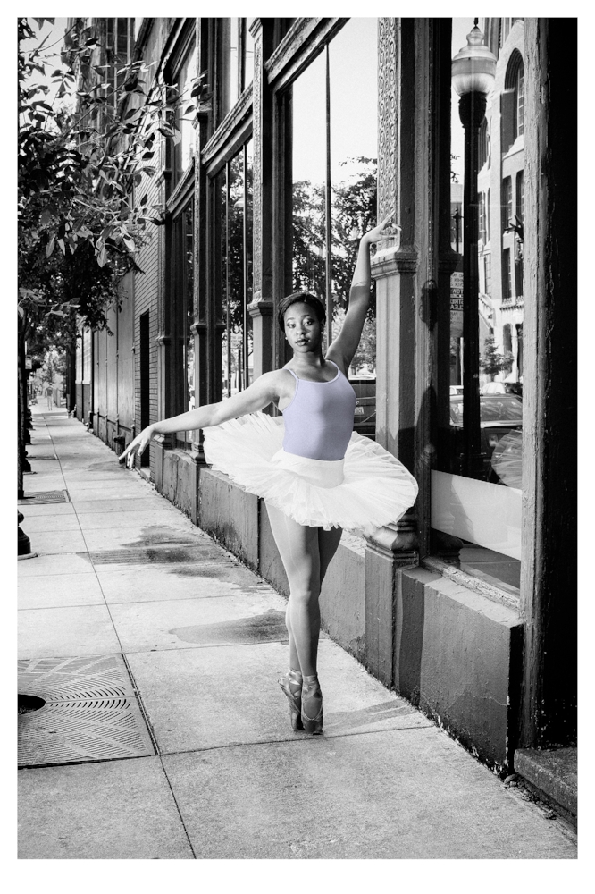 solo ballerina on halsted street | © preston lewis thomas