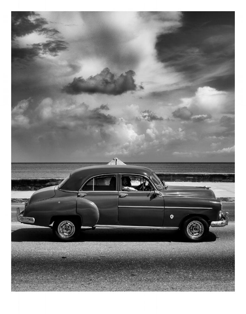 Car on the Monochrome Malecón | Ed. 2/10