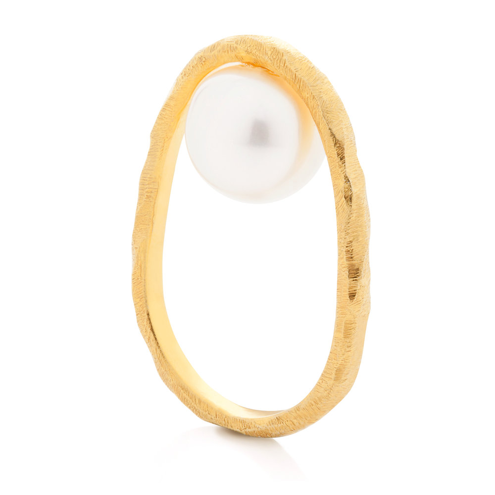 DANCING PEARL GOLD RING