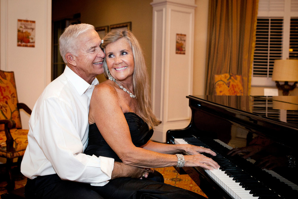 Tom&Julianne_playing-piano-together.jpg