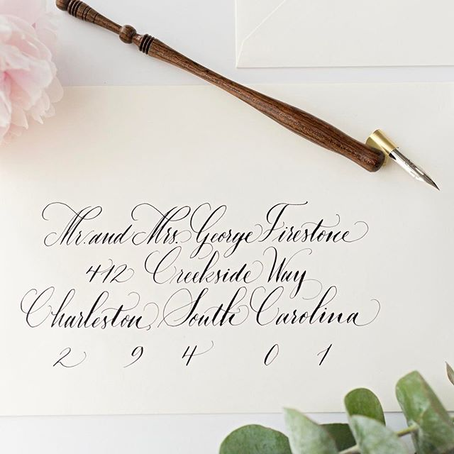Have you been wanting to learn calligraphy? Join us on Saturday at The Charleston Museum for our calligraphy for beginners class! Link in profile 👆🏼