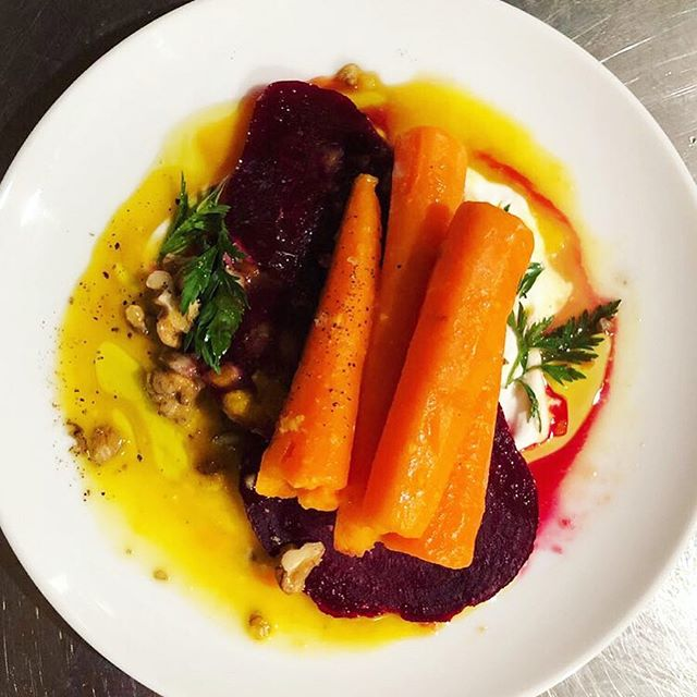Butter and citrus glazed carrot, beet, yogurt, saba, walnut. . #colorful #eats #instafood #rootvegetables #winterfood #supper #eathealthy #livewell