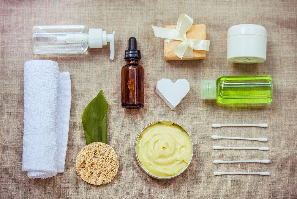 https://www.bioclarity.com/blogs/clear-skin/best-acne-fighting-tips