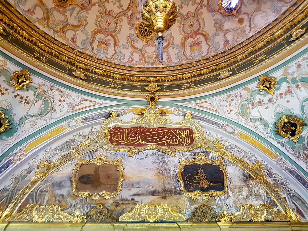 ceiling decoration inspiration in istanbul
