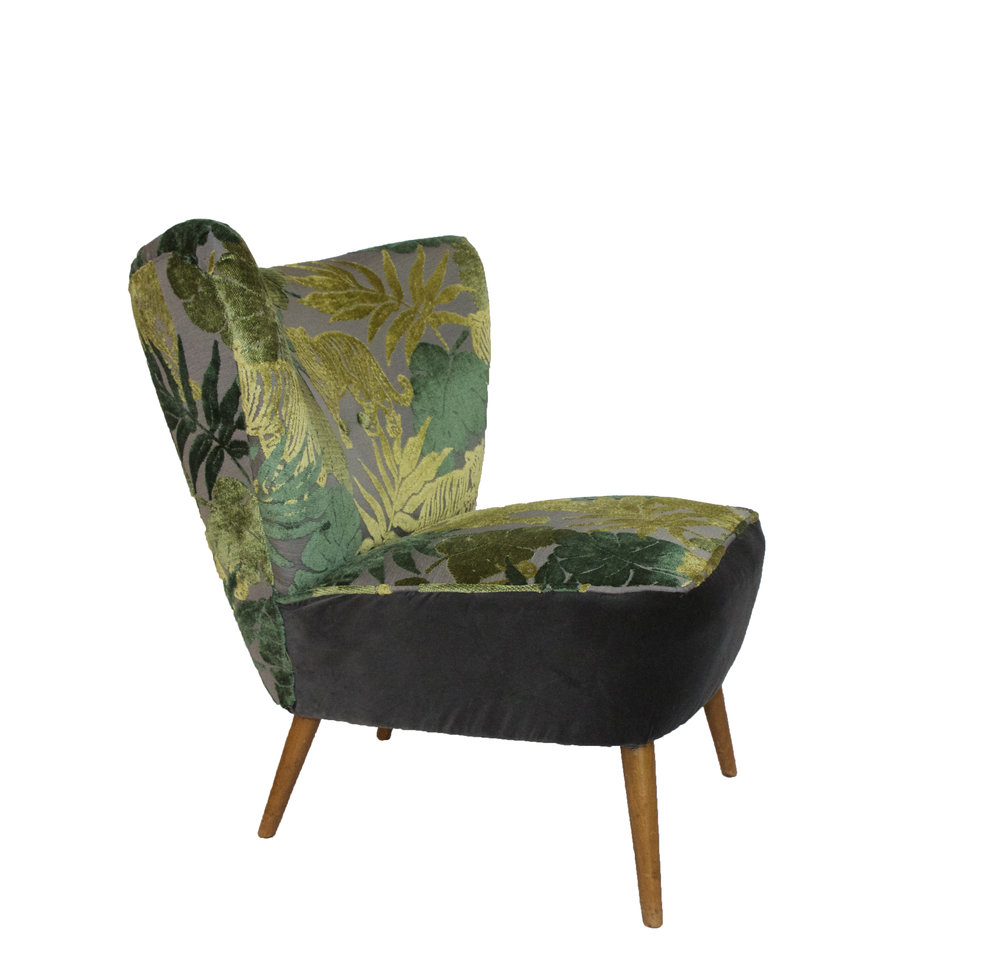 Jungle print chair.jpg