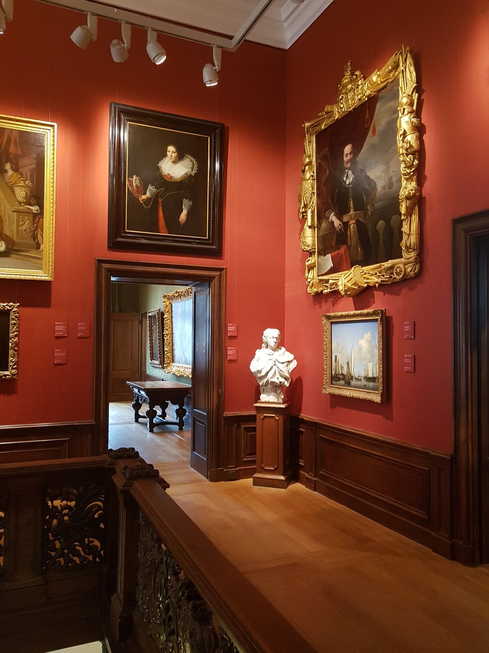inside the mauritshuis