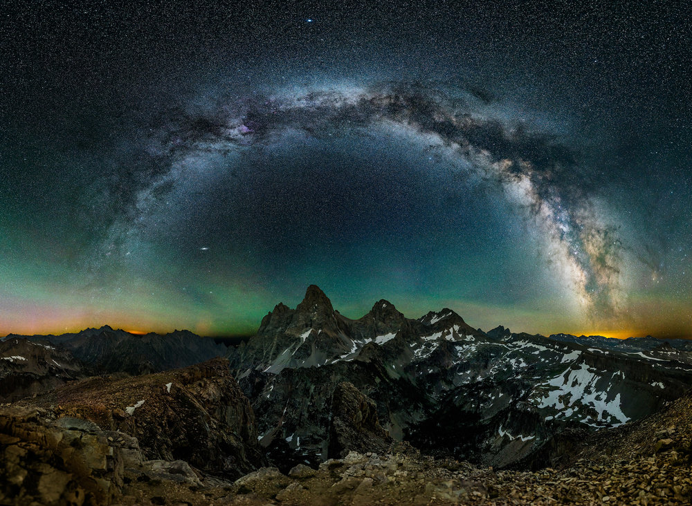 Dark, dark, dark sky! 1024 megapixels of stars and Tetons.