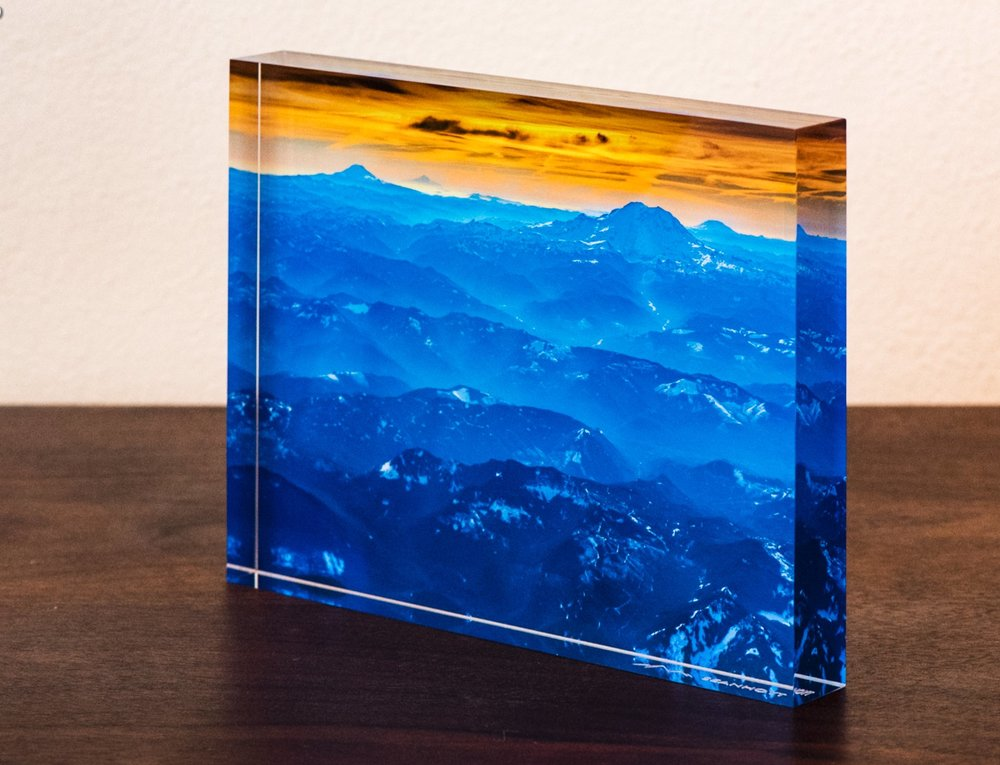 "A 8x6"" photo acrylic block that's 1"" thick."