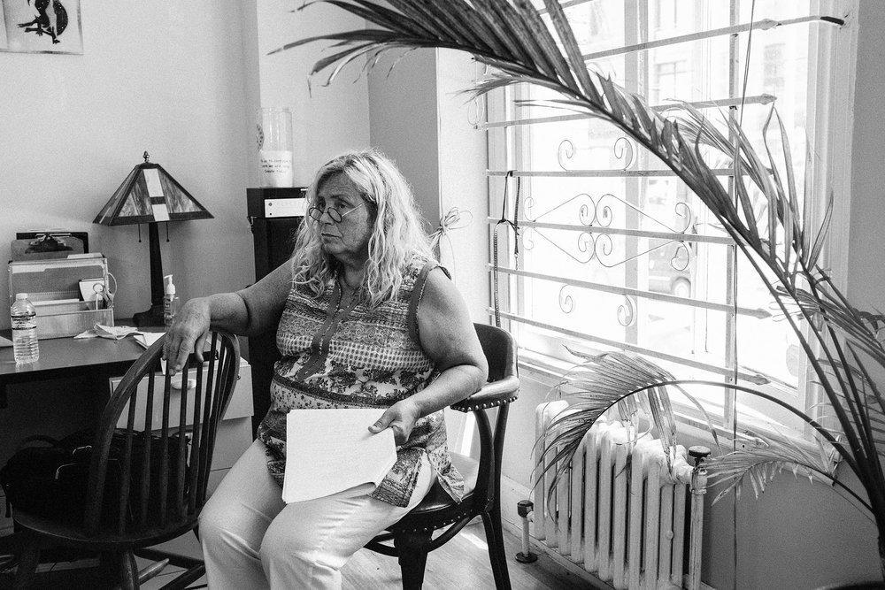 Linda Bennau - Actor (