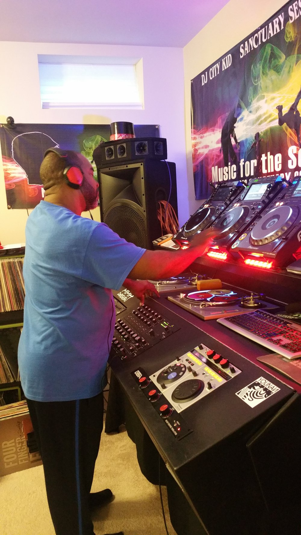 DJ Easy E at the Sanctuary 2018.jpg