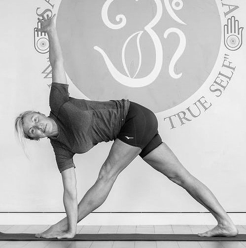 Alignment Yoga - Alignment yoga is a type of Hatha yoga based in the teachings of B.K.S. Iyengar and if focuses on proper posture and. helps us to know how to practice yoga postures in a safe and stable way and helps us to prevent injuries.