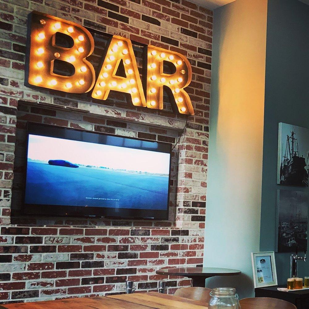Jsix Restaurant and Bar