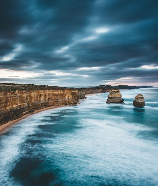 cloudin' around, 12 apostles. 🌩️What do you think? . . Great Ocean Road Canon 5d3 & 6d #greatoceanroad @visitgreatoceanroad