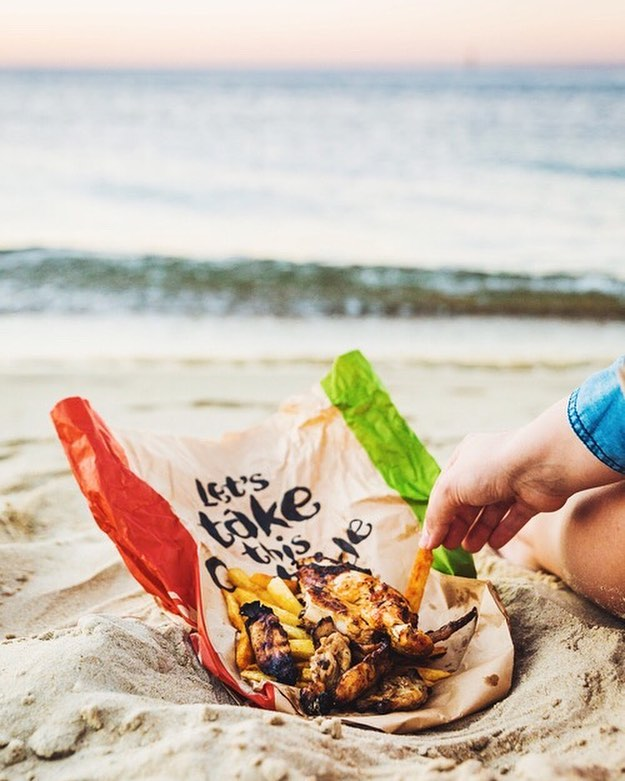 @nandosaus + beach got you covered for dinner 😍😋 $11 WTF deal (wed, thur, fri) get in quick... #ad