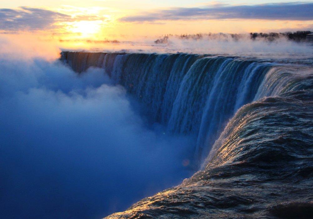 - New Year's Day at Niagara Falls