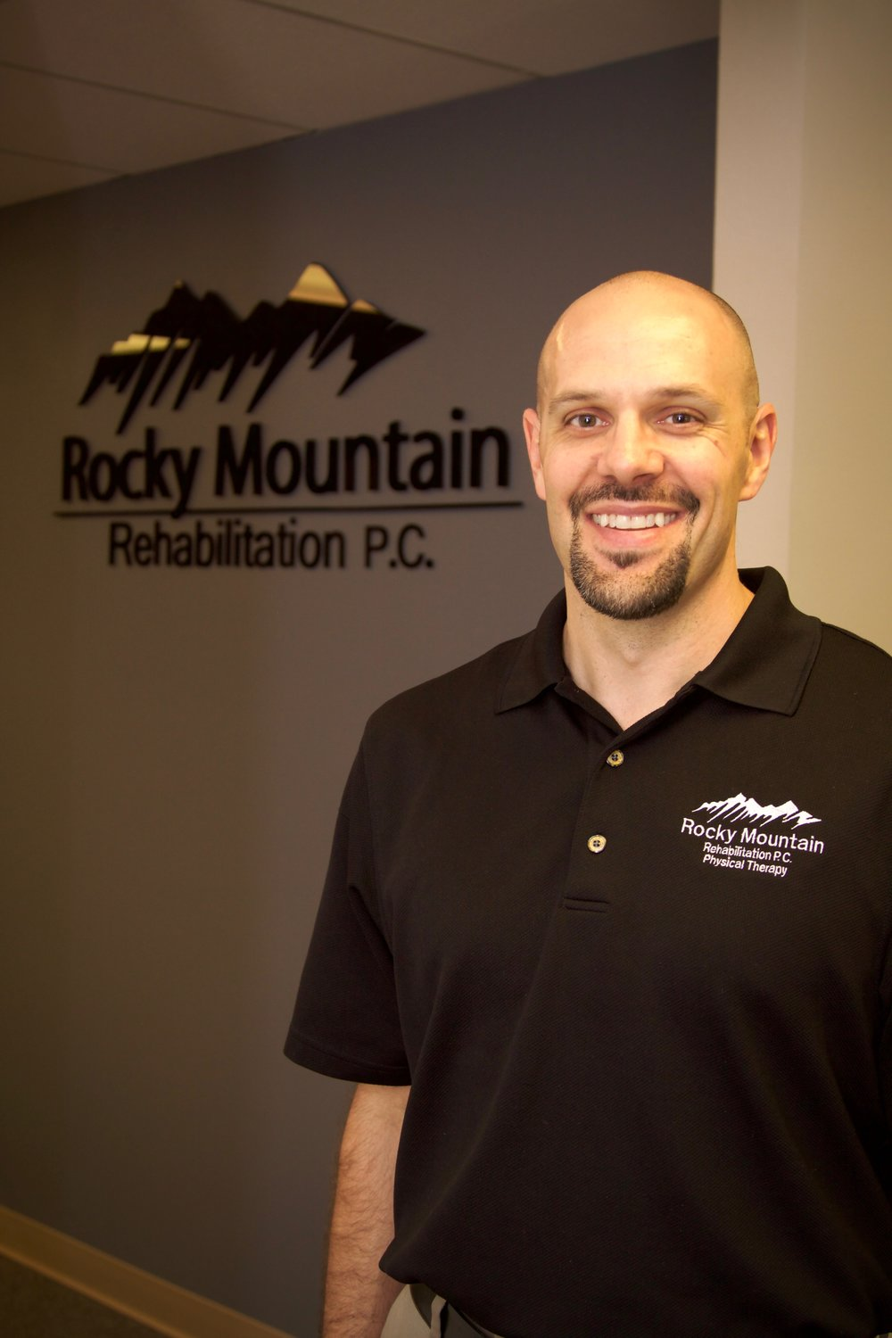 Jeremy Snyder DPT, OCS, CSCS, FMC, CCI - Doctor of Physical Therapy, Orthopedic Certified Specialist, Certified Strength and Conditioning Specialist. Functional Movement Screen Certified, Certified Clinical Instructor. Jeremy is active in the Colorado American Physical Therapy Association, serving on the nominating committee and is a physical therapy consultant for Colorado College Athletics. Jeremy is also a Level 1 and Level 2 Instructor for Kinetacore, teaching Trigger Point Dry Needling throughout the United States and Canada. Jeremy's interests include treatment of shoulder dysfunction, running injuries, post-surgical rehab, and sports orthopedics.