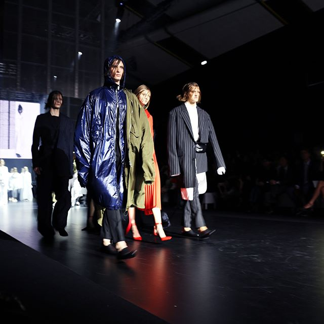 Juun J at last night's ELITES 2017 Runway show concluded the first day of CENTRESTAGE beautifully. Asymmetric, tailored wonders, paired with sportswear classics. 📷: #hausie @hktdclifestyle @juun_j . . . #juunj fashion #CENTRESTAGE #hk #hongkong #exhibition #tradeshow #potd #runway #catwalk #fashionshow #wholesale #outfit #international #showroom #event #networking #event