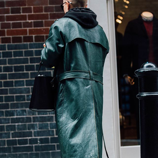 London Fashion Week just finished for FW18/19 and we're already seeing this half-patent, half-matte leather jacket texture everywhere. With green as the pantone colour of the year for 2018, we are expecting it to creep into the Fall looks too. 📷: Courtesy of Vogue, #JonathonDanielPryce . . . #streetstyle #highfashion #highend #leather #material #patent #leatherjacket #design #FW18 #edgy #jacket #instalike #instagood #instadaily #photooftheday #potd #hausie #fashion #trending