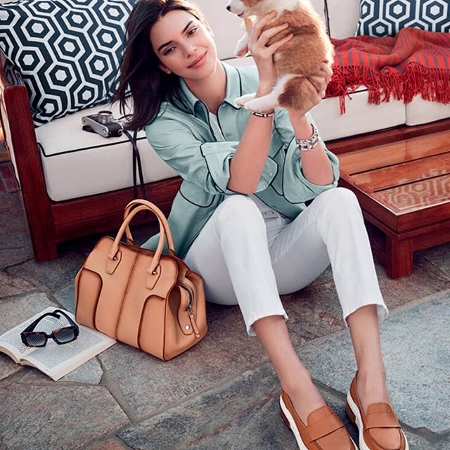 """Enlisting millennial """"It"""" girl Kendall Jenner was just one step Italian luxury group Tod's took upon their """"year of transition"""". Yesterday the company announced the results from their new management team would be visible starting from the second part of the year. BoF reports Tod's revenue was down 4.1 percent year-on-year at reported rates. The group has since said that it would focus on more traditional and iconic products rather than more fashionable ones. 📷: #Tods . . . #SS18 #Tods #KendallJenner #Kendall #leather #leathergoods #campaign #fashioncampaign #fashion #fashiontrend #instadaily #instalike #potd #fashion #trending #trends #hausie"""