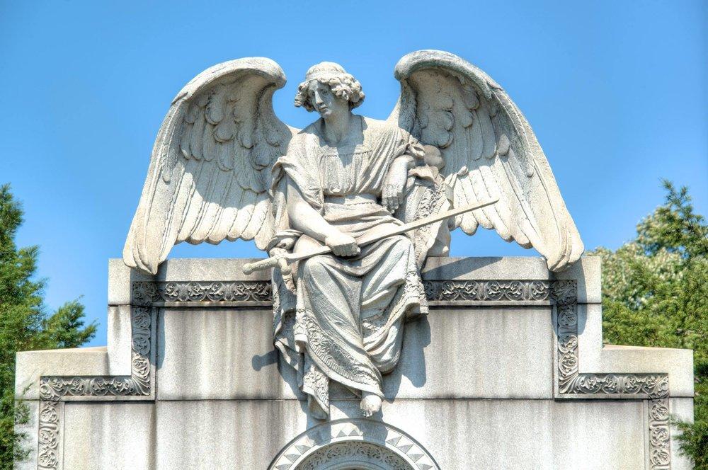 Archangel_Michael,_Rinelli-Guardino_Mausoleum,_Greenwood_Cemetery.jpg