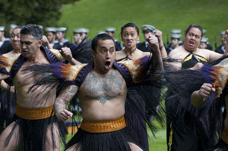800px-Haka_performed_during_US_Defense_Secretary's_visit_to_New_Zealand_(1)_wiki commons.jpg