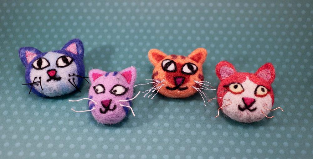 kitty+brooch1.jpg