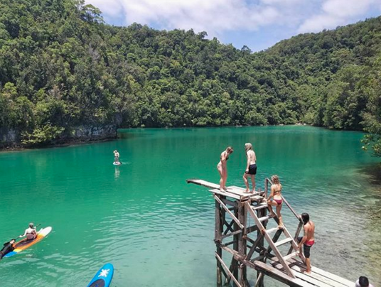 Sugba Lagoon: An easy day trip from the main town of General Luna. With emerald water &beautiful mangrove FORESTS! -