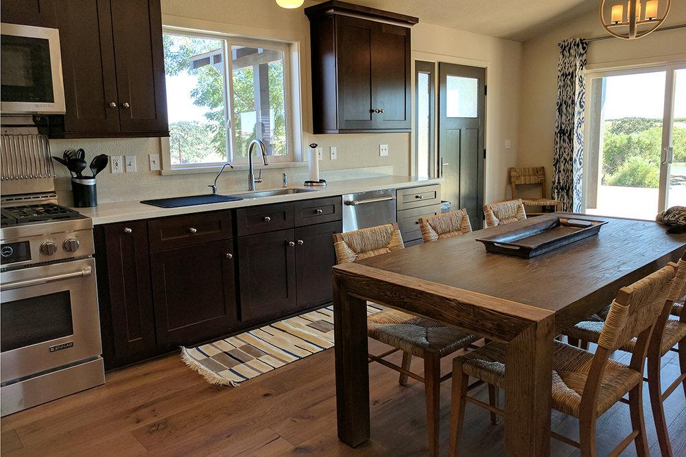 4811 Kitchen.jpg