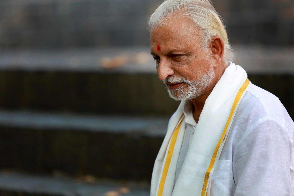 AMAL3450-Sir-sports-a-pensive-look-Vakunj-Pune-Maharashtra.jpg