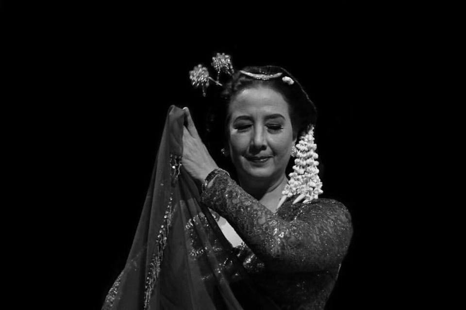 Maria Darmaningsih-Gambyong.jpg