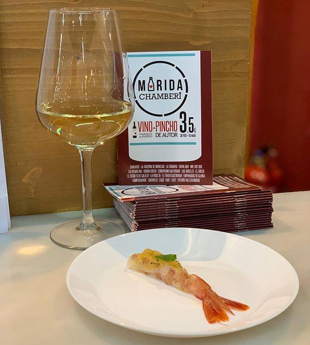 """Ha arrancado #maridachamberí y en Kint te esperamos hasta el 10 de marzo para que pruebes nuestra oferta: copa de vino blanco @bodegamarquesdelpuerto más """"crudo de gamba"""" por 3,50€ 🤩  #chamberi #mercados #madrid #rutagastronomica #singluten #sinlactosa #glutenfree"""
