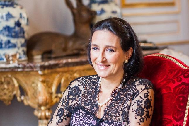 S.A.R.-la-Princesa-Tania-de-Bourbon-Parme-Revista-Pasarela-de-Asfalto-España-Bélgica-Spain-Belgium-Princess-cover-S.T.-Dupont-Stephen-Hung-Hotel-Louis-XIII-lujo-luxury-portada.jpg