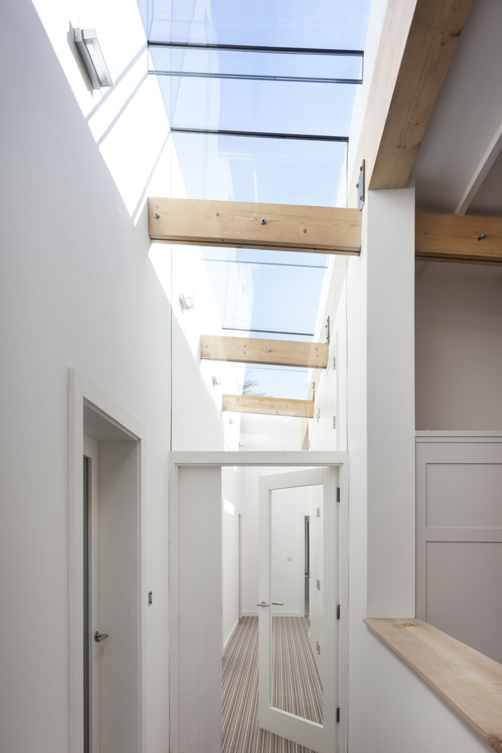 CorridorRooflight_RoseGardenHouse_TrionaStackArchitects.jpg