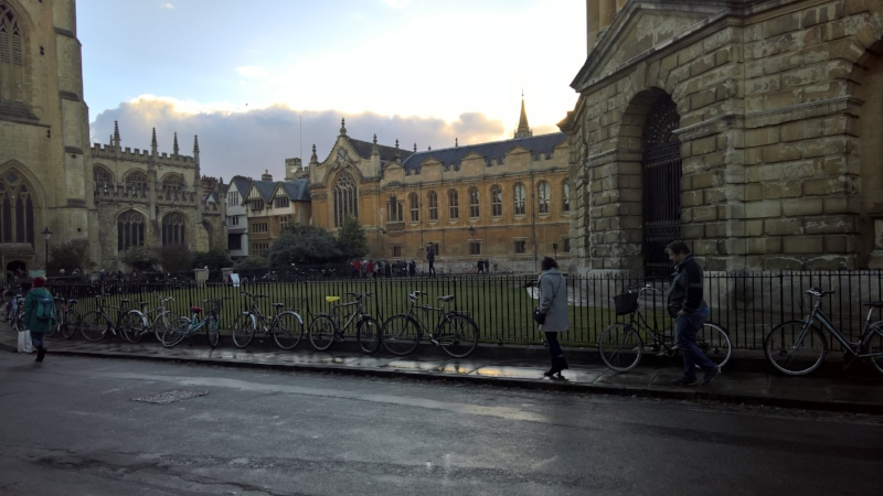 Oxford in a nutshell - beautiful old buildings, bicycles and students.