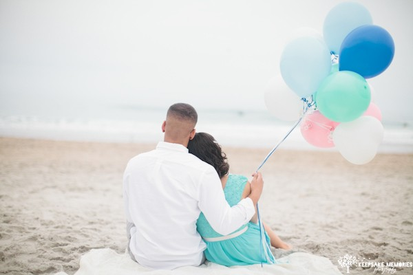 balloon engagement session ideas